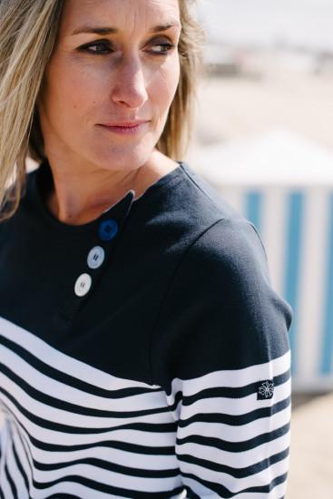 marinière bio boutons à l'encolure bleu marine blanc pour femme