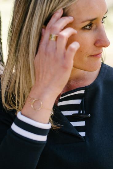 sweat col rond bouton écru pour femme