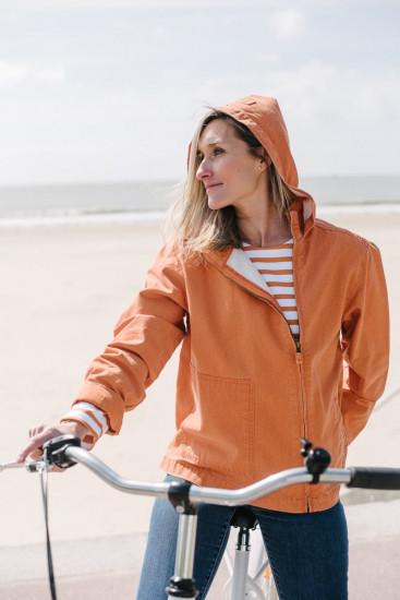 blouson en toile orange délavé pour femme jolie capuche