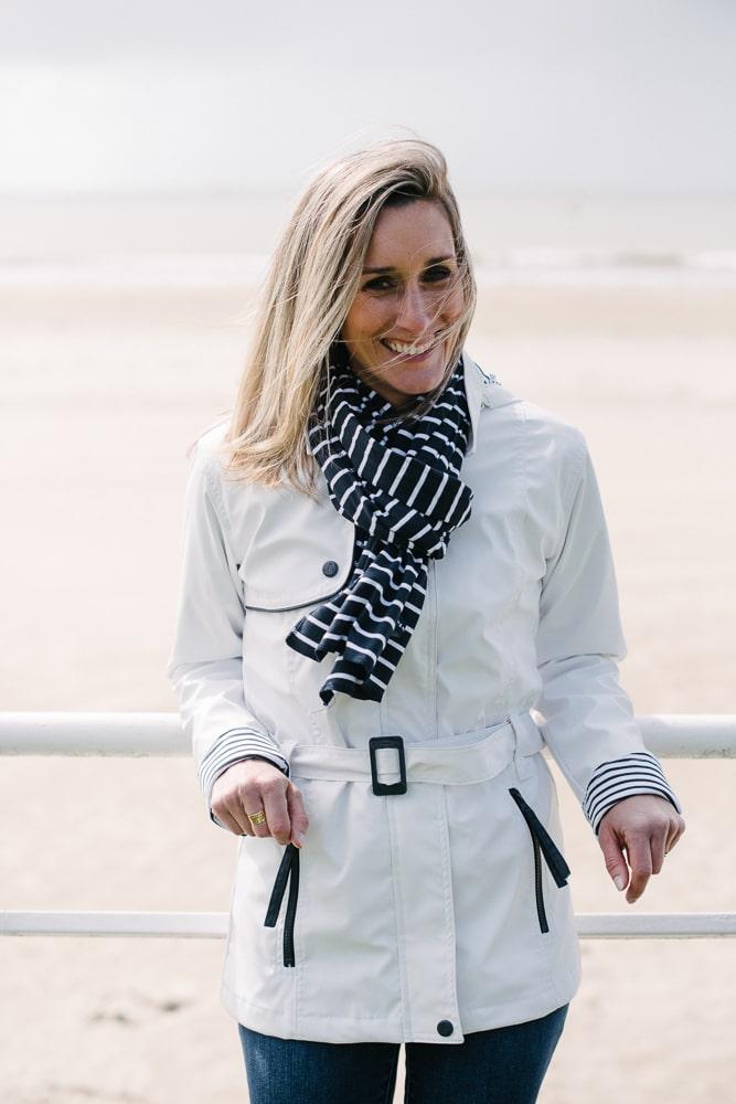 ciré imperméable ceinture et capuche amovible blanc pour femme