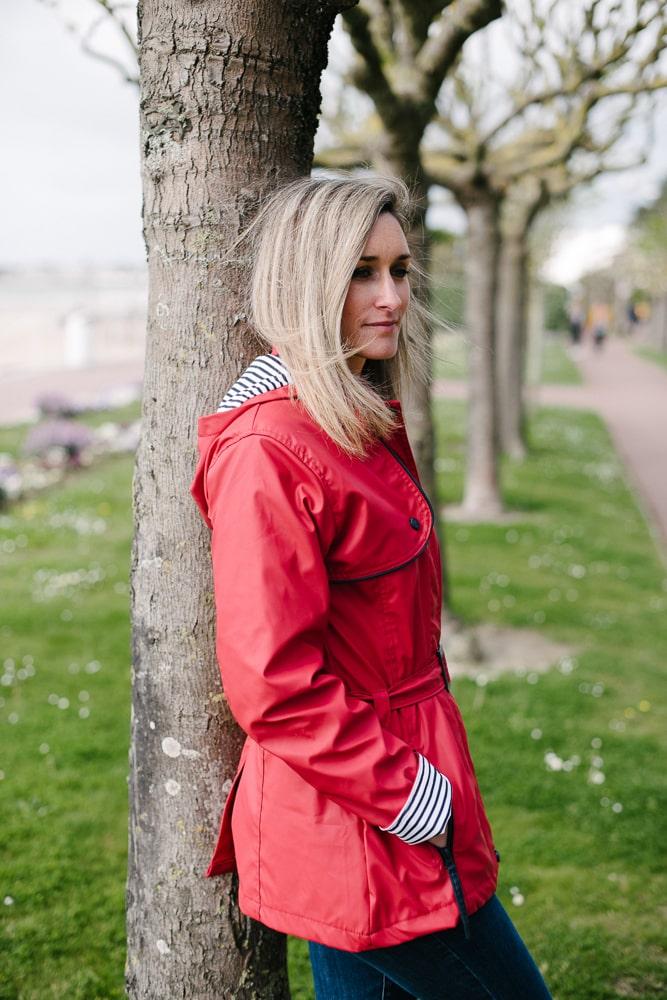 ciré imperméable ceinture et capuche amovible rouge pour femme