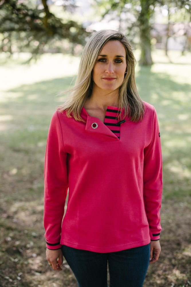 sweat col rond bouton rose pour femme